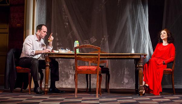 """Егор Баринов и Анна Большова. Спектакль """"Семейный ужин в половине второго"""""""