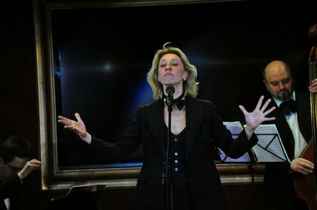 """Юлия Рутберг. Фотография спектакля-кабаре""""Вся эта суета"""""""