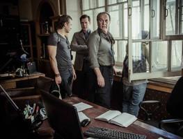 Алексей Гуськов. Фотография со съёмок сериала«Личность не установлена»