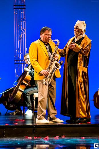 Игорь Бутман и Алексей Гуськов. Фото спектакля«Онегин-блюз»
