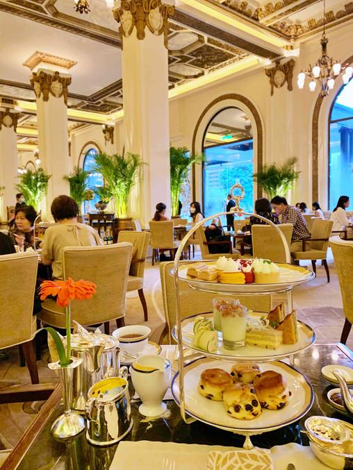 Afternoon tea in the lobby at Peninsula Hotel Hong Kong