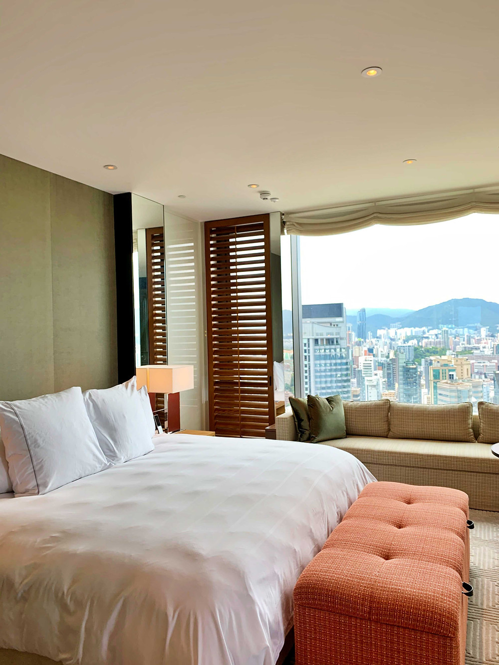 Bedroom at Rosewood Hong Kong