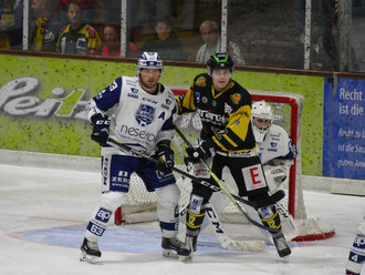Sonthofen gelingt der ersehnte Sieg gegen dieEV Lindau Islandersund gewinnt mit 5:2.