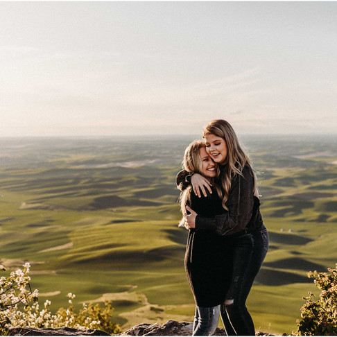 Steptoe Engagement Session | Chey & Marisa | Steptoe Butte State Park
