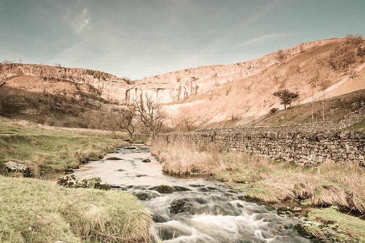 visit-malham-cove-yorkshire