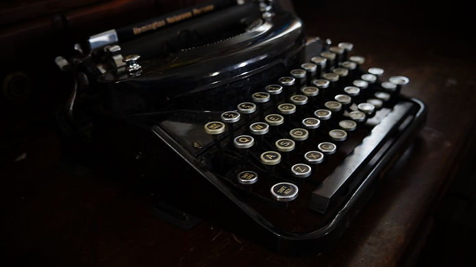 old-typewriter-1379166_960_720.jpg