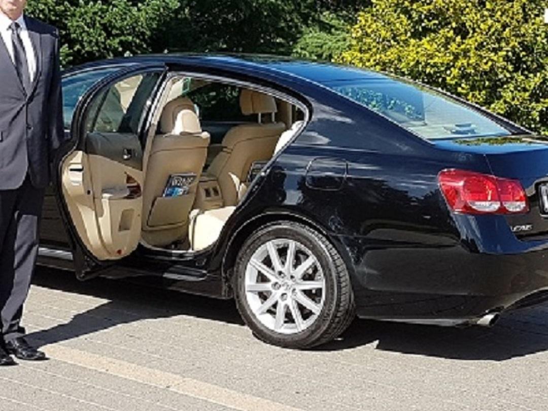Luxury private driver