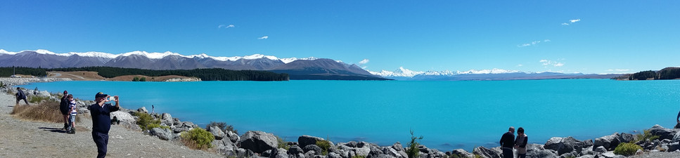 Lake Pukaki Mount Cook in the back ground chauffeurnz.com