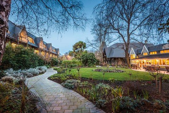 Chateau On Park - DoubleTree by Hilton