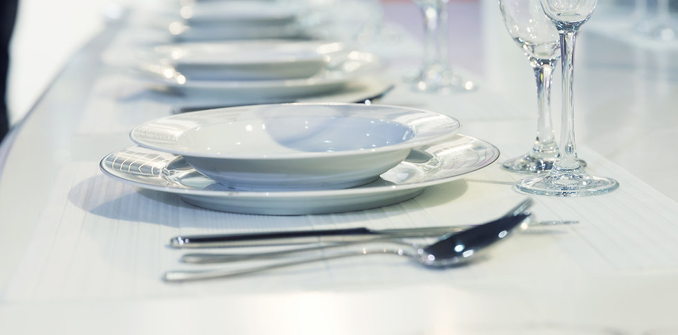 served-fashion-table-in-white-colors_edi