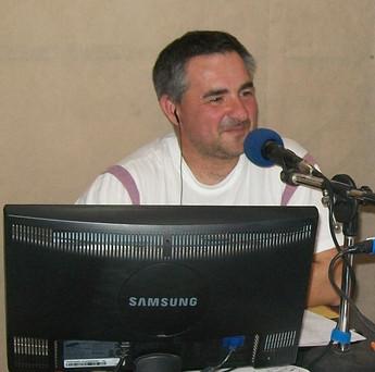 beto radio.JPG