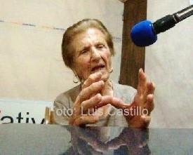 Nona en la radio 3-001.jpg