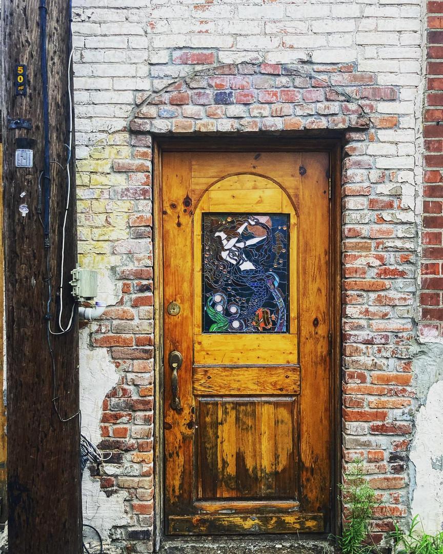 hidden art in the ally of downtown.jpg