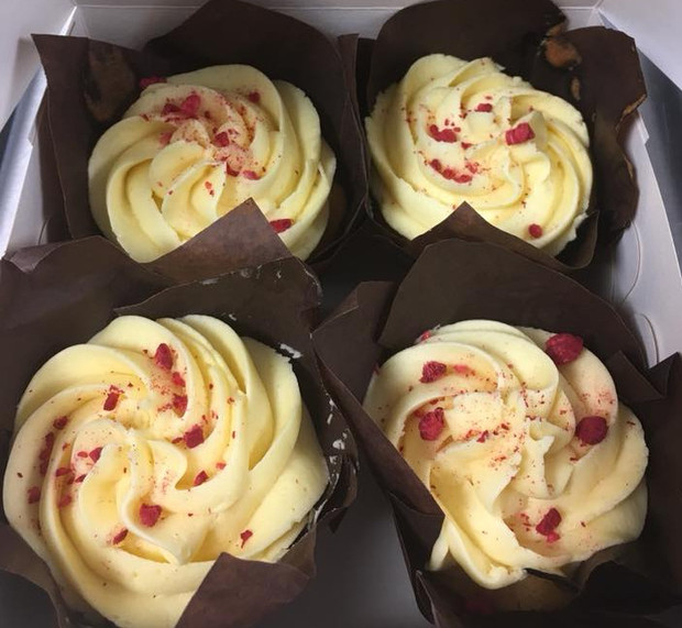 Cupcakes - Raspberry & Passion Fruit