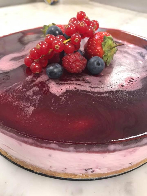 Mixed Berry & Prosecco Cheesecake