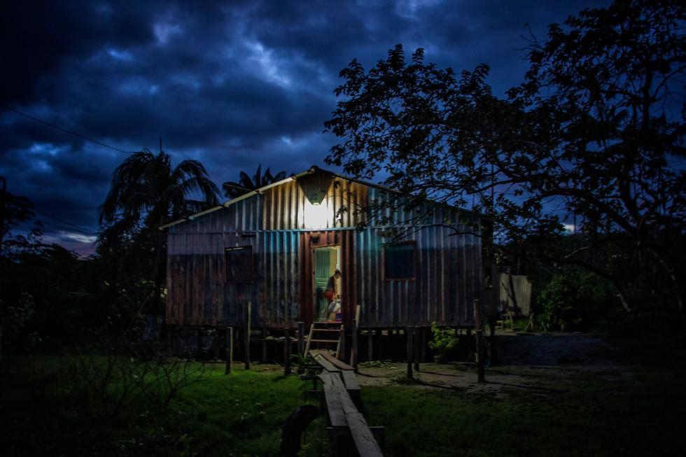 Casa de Lurdes e Venâncio. Comunidade de Nazare pos-cheia 2014. Marcela Bonfim