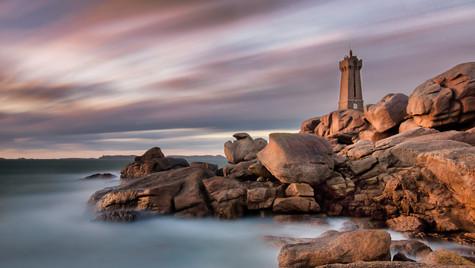 Lighthouse Bretgane golden hour no water mark.jpg