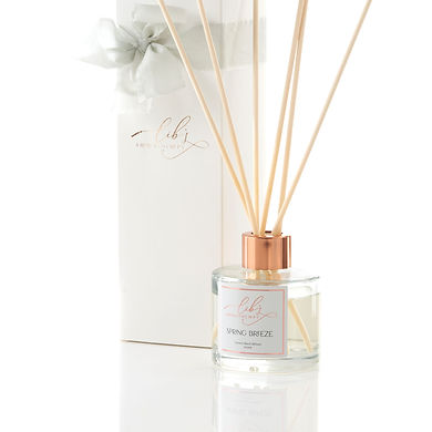 a spring breeze reed diffuser with gift box