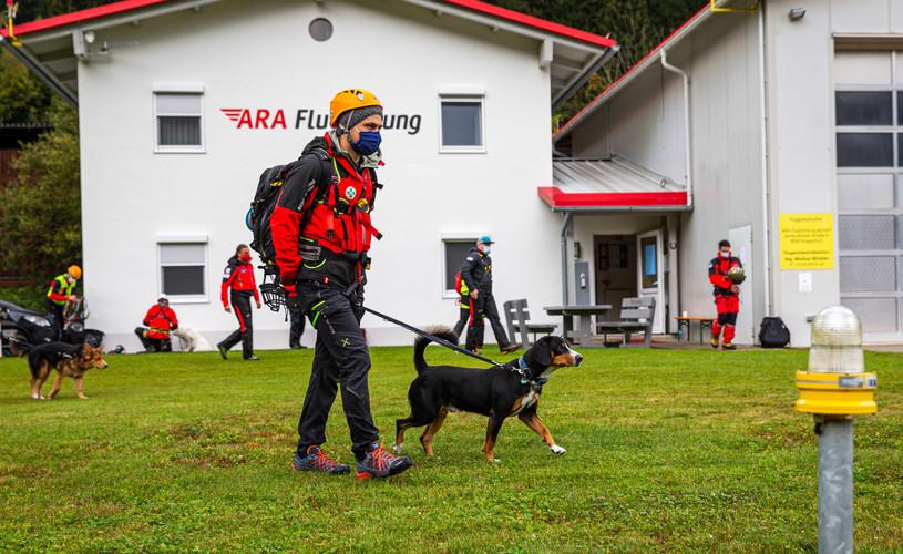 ara-flugrettung-hundetraining-1.JPG