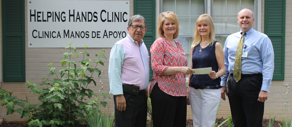 HealthStar Foundation donates computer to Helping Hands Clinic