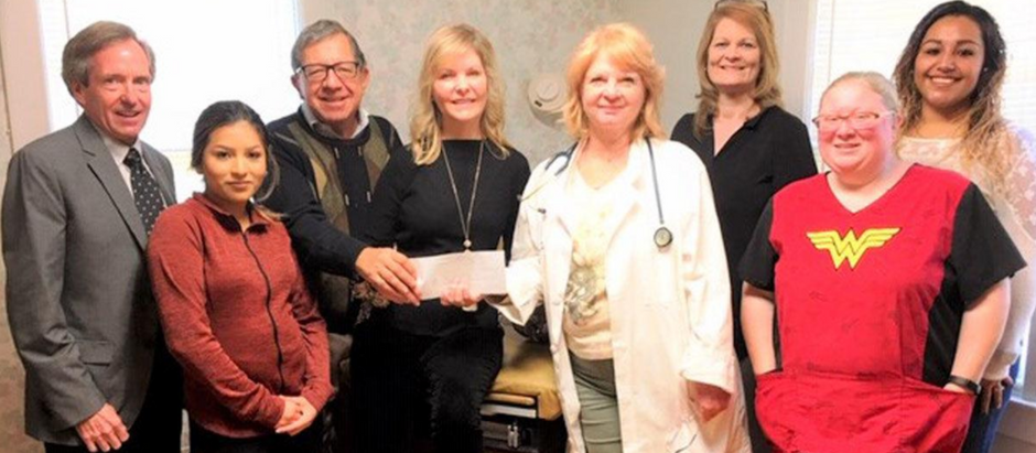 HealthStar Foundation donates $2,500 to Helping Hands
