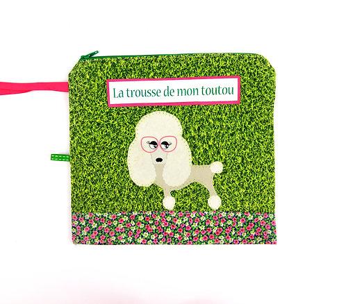 """Trousse pour chien """" caniche """""""