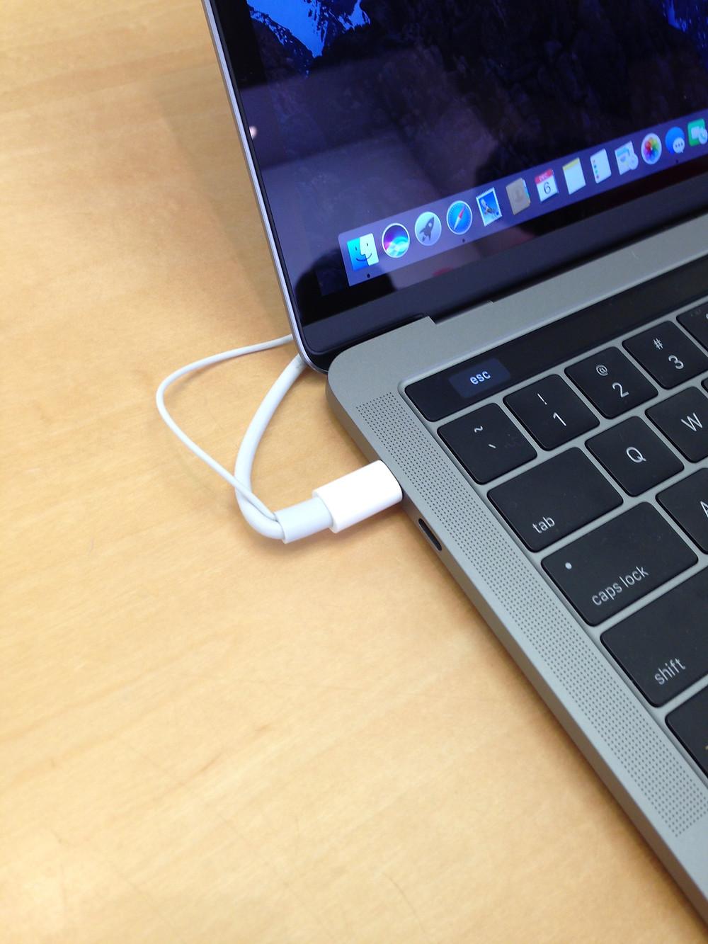 Image: 2016 MacBook Pro with USB-C. Image Credit: XYZ Media Group