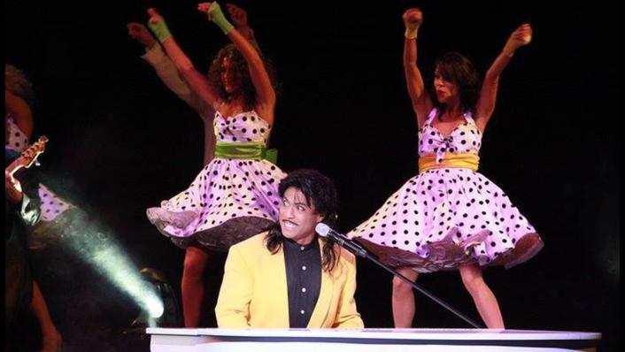 Little Richard Garry Moore w dancers.png