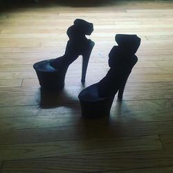 What a Feeeeeelin'_-_-_-_-_-_-_-_-_- #whatafeeling #spats #heels #compositefootwear #stacked #8inchh
