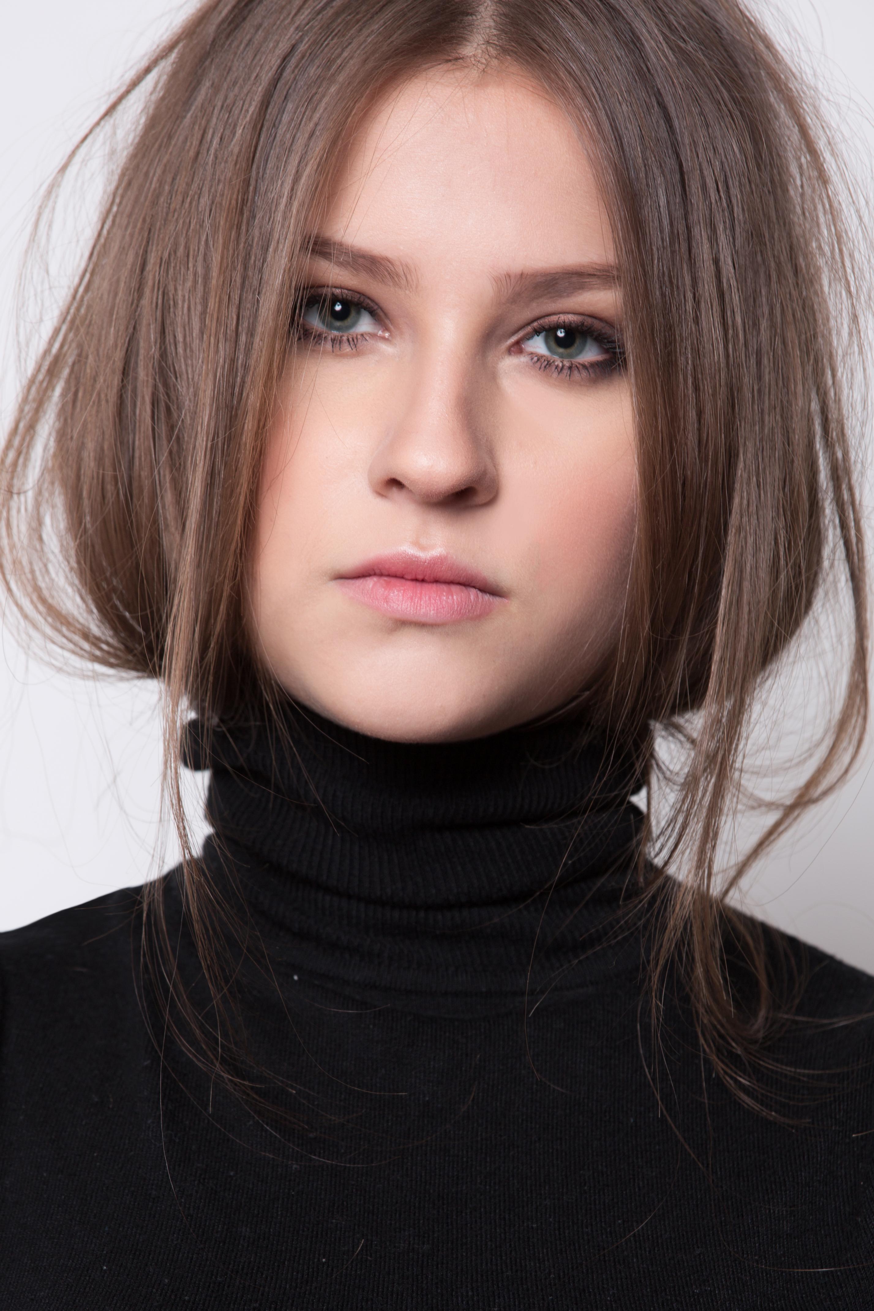 Larissa (9)