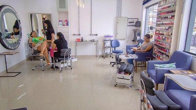 Estações manicure, pedicure e bancadas alongamento