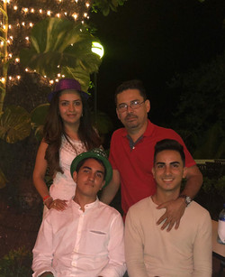 Sra. Eveling Escobar & Familia