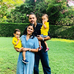 Sra. Martha Moncada  & Familia