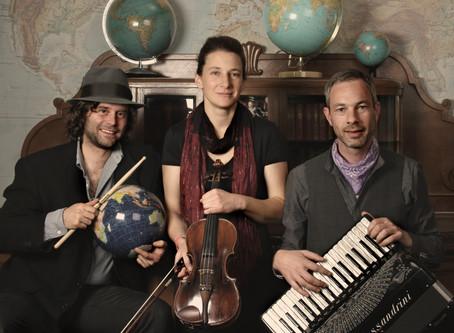 """""""Gypsy Kings"""" -  Die 25. Gypsy Jazz Jam Session in Würzburgs MS Zufriedenheit"""