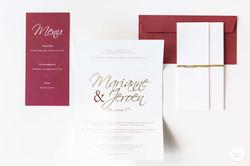 Huwelijksdrukwerk goud en bordeaux
