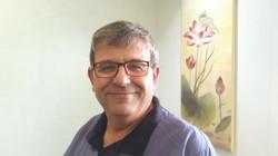 """ד""""ר עופר יוגב - מייסד המרפאה"""