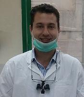 דר אלון דוידזון מומחה לפריודונטיה.jpeg