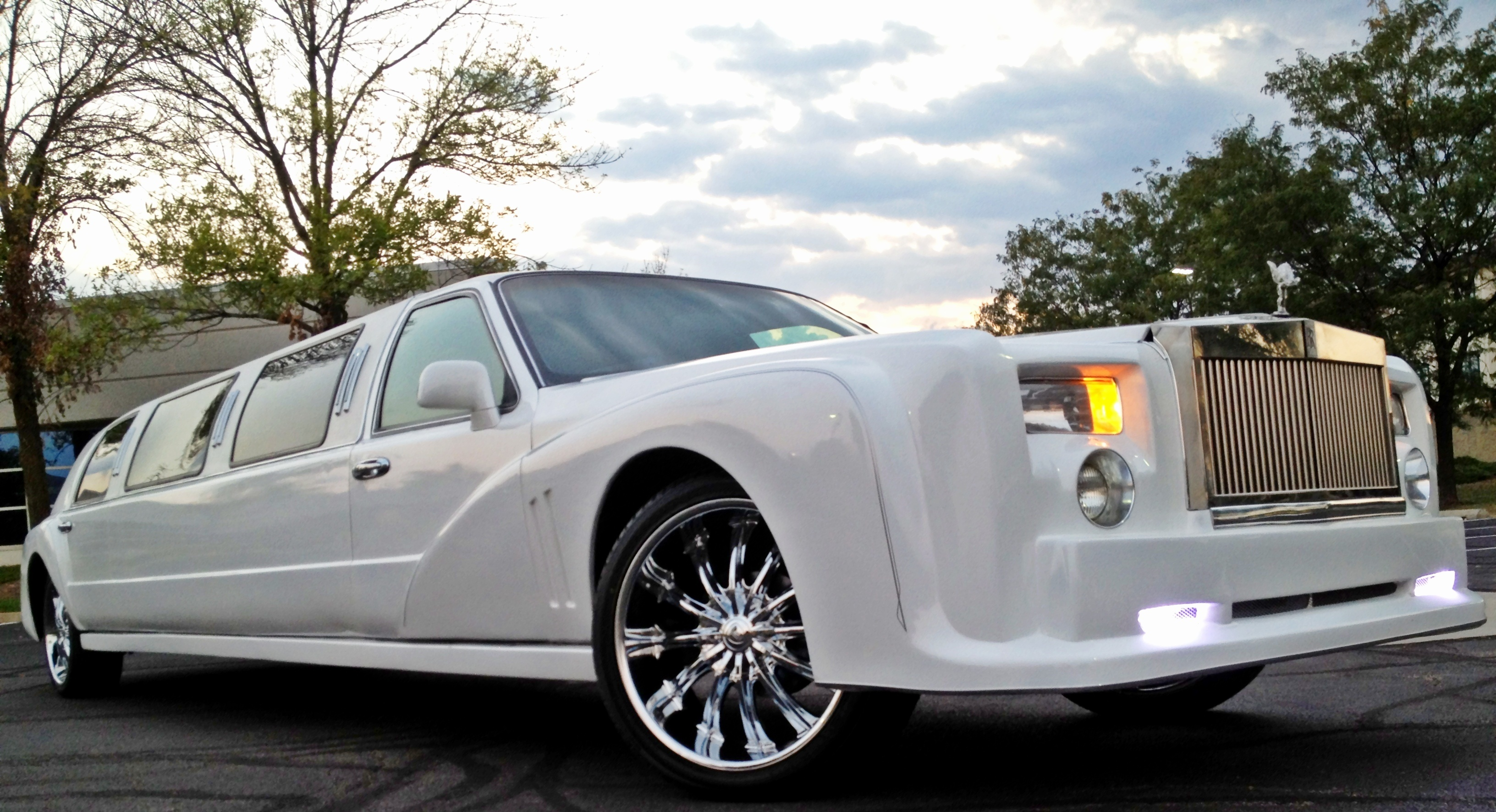 Rent A Rolls Royce Limousine For Your Special Chicago Event