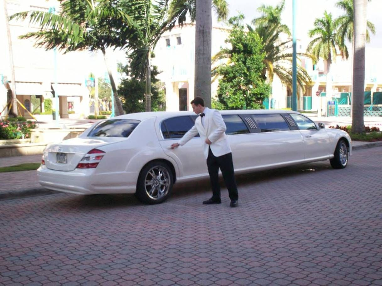 Sweet 16 Mercedes Benz Limousine