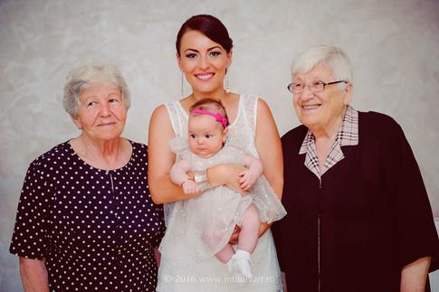 024 family photography_Cezara.jpg
