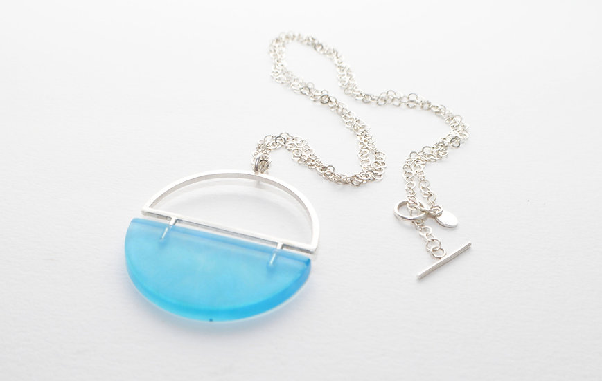 Resin Divided Necklace