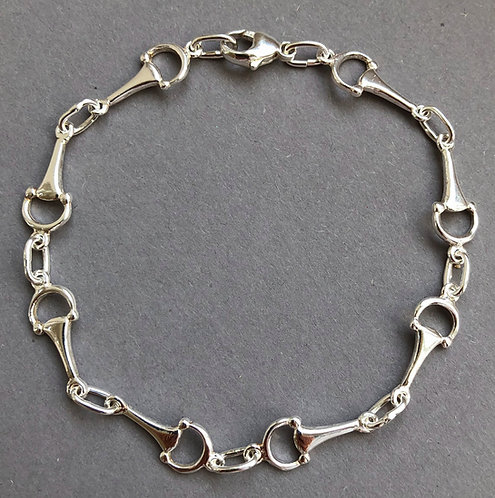 Refined silver bracelet with snaffles
