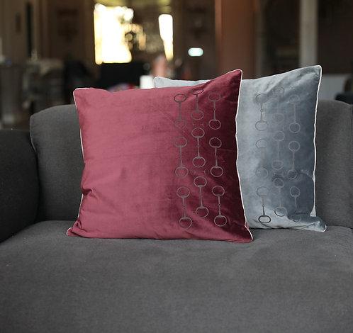 Pillow snaffle 50x50 bordeaux
