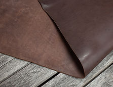 DOA_Skirting_Thoroughbred_Leather_Detail