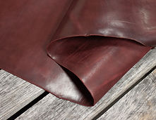 Burgundy_Latigo_Thoroughbred_Leather_Det