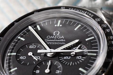 Product Photography - Macro Photography Watch Omega Speedmaster