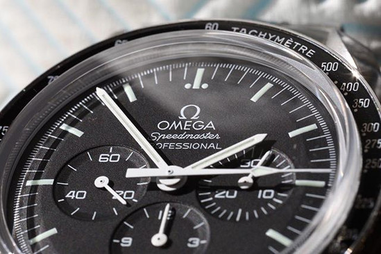 Product Photography - Macro Photography Watch Omega Speedmaster