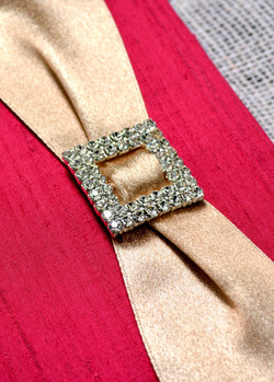 red-invitation-buckle