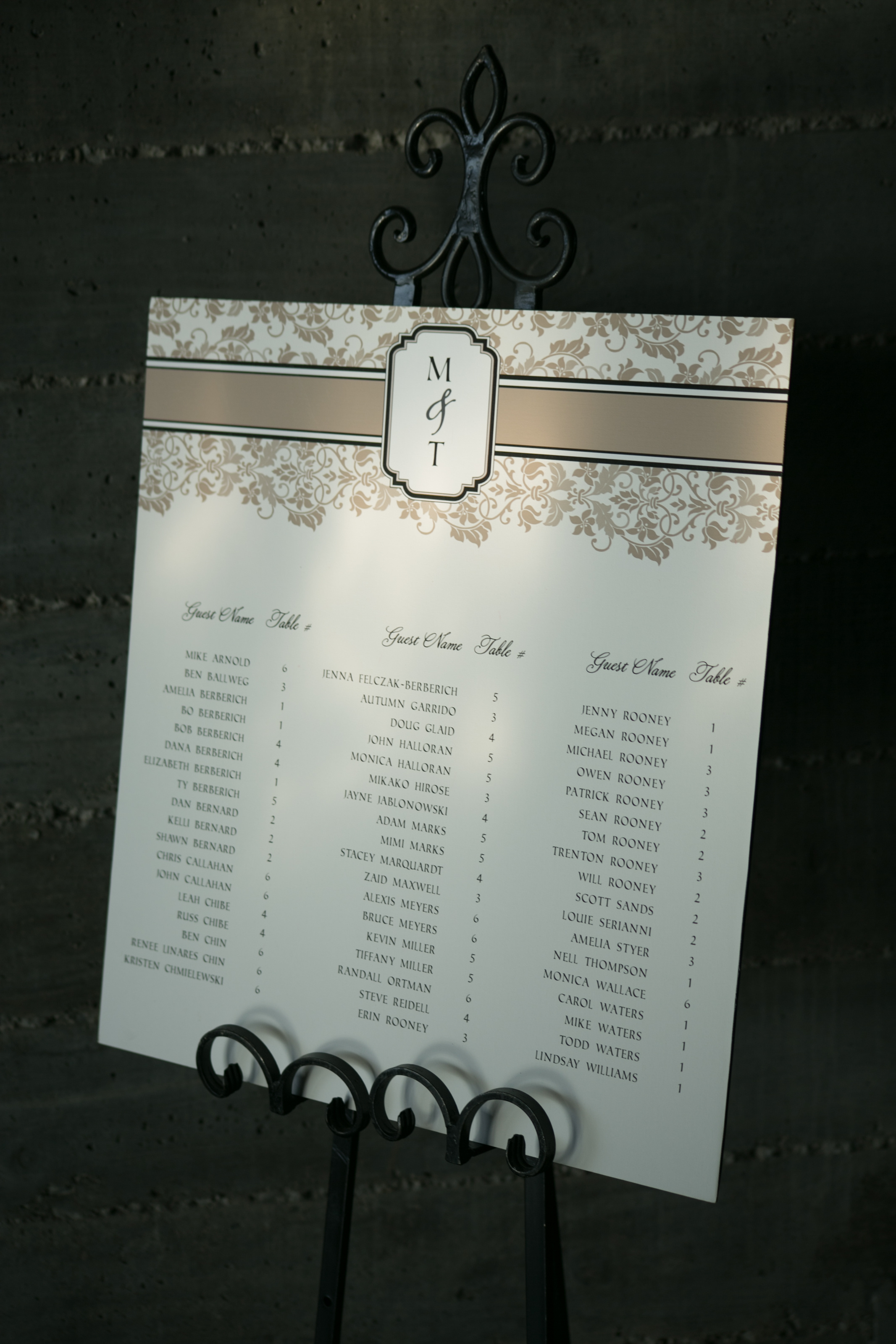seating-chart-by-lucky-invitations-for-winery-wedding