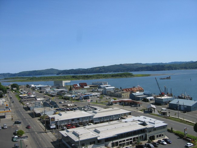 tioga-building-coos-bay-or-building-phot